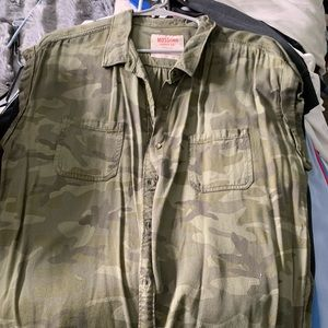 Camo short sleeve button up